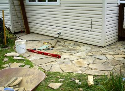 flagstone-patio-diy