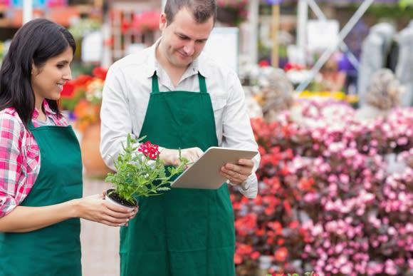 working-garden-center-employees
